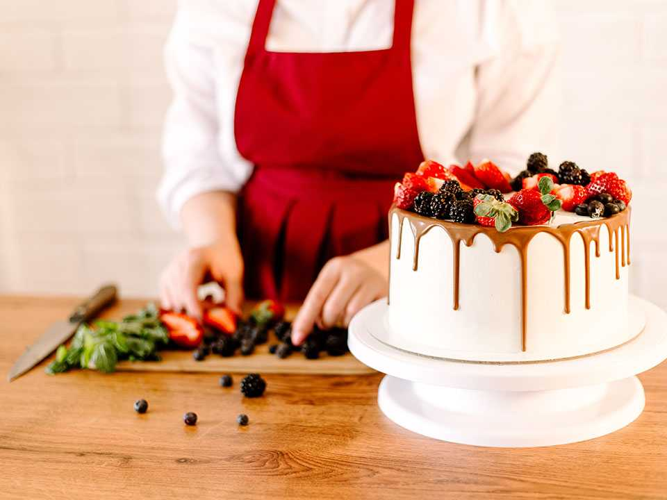 The Importance of Hiring a Professional Baking Maker